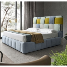 Designerskie łóżko tapicerskie Brita
