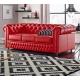 Czerwona sofa chesterfield
