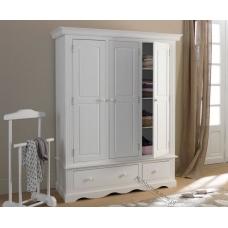 Białe szafy